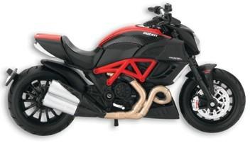 Modelo moto Diavel Carbon